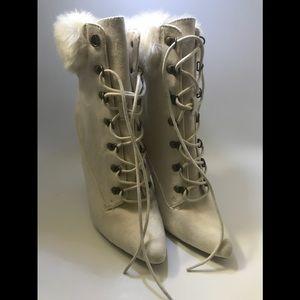 Wild Diva Boot Heels beige size 7